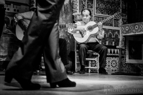 Black and white picture of flamenco dancer and guitar players, Madrid, Spain